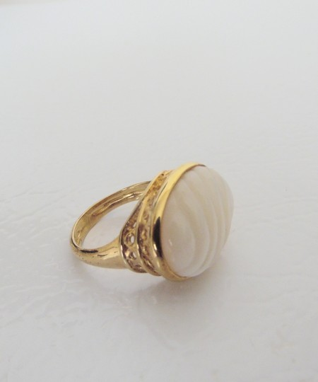 Veronese Collection Veronese Collection(R) Mother of Pearl Textured Ring Size 8