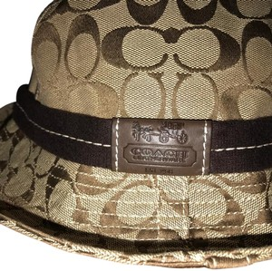 Beige Coach Hats - Up to 70% off at Tradesy 40aa3315a58