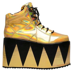 YRU Synthetic Sole Synthetic Upper High Chunky Gold Sandals