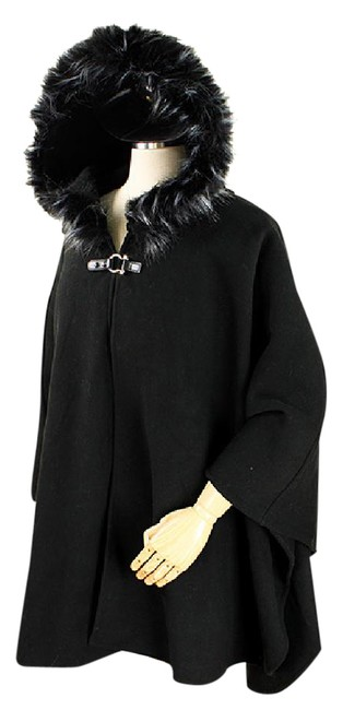 Preload https://img-static.tradesy.com/item/21949818/black-fur-trim-and-fringed-hooded-cape-beige-size-6-s-0-1-650-650.jpg
