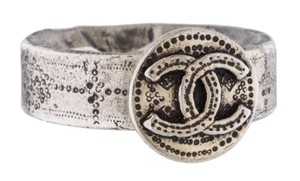 Chanel Silver-tone Chanel interlocking CC logo signet ring