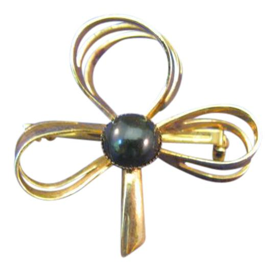 Unbranded Vintage Goldtone Jewelry Pin or Brooch Image 0