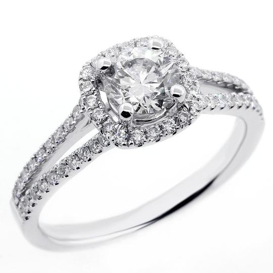Preload https://img-static.tradesy.com/item/21951013/white-107-cts-round-cut-halo-set-in-18k-gold-engagement-ring-0-0-540-540.jpg