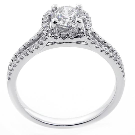 White 1.07 Cts Round Cut Halo Set In 18k Gold Engagement Ring Image 1
