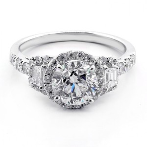 White 2.40ctw Round Cut Tapered Baguette with Halo Set In 18kw Engagement Ring