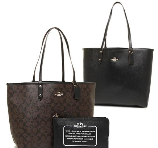 Preload https://img-static.tradesy.com/item/21952424/coach-f36658-reversible-large-and-travel-pouch-signature-black-brown-pvc-tote-0-2-540-540.jpg
