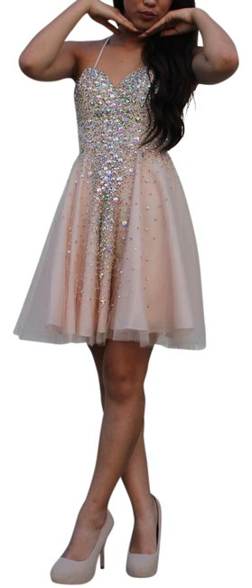 Preload https://img-static.tradesy.com/item/21953003/champagne-sweetheart-knee-length-tulle-homecoming-with-beading-sequins-mid-length-formal-dress-size-0-3-650-650.jpg