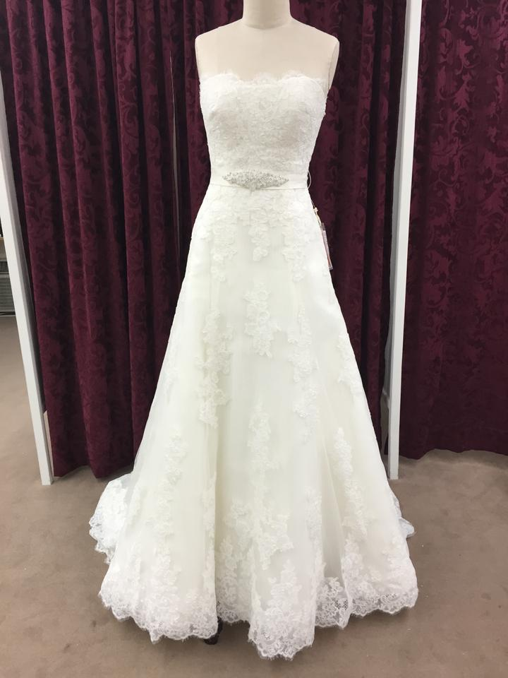 Pronovias Off White Tulle with Spanish Lace Jaleah Formal Wedding ...