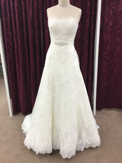 Pronovias Off White Tulle with Spanish Lace Jaleah Formal Wedding Dress Size 6 (S)