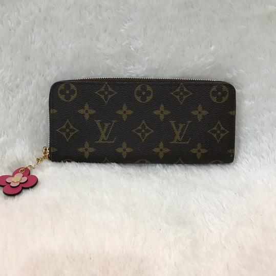 Louis Vuitton limited edition clemence with flower charm Image 4