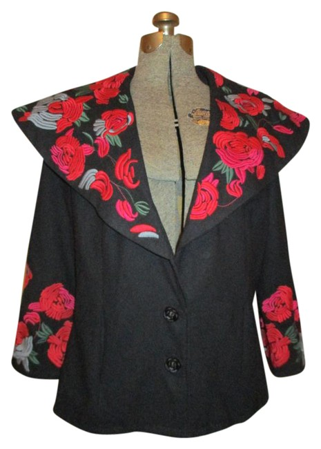Preload https://img-static.tradesy.com/item/21953774/black-red-and-green-embroidered-wool-blend-34-sleeve-size-8-m-0-1-650-650.jpg