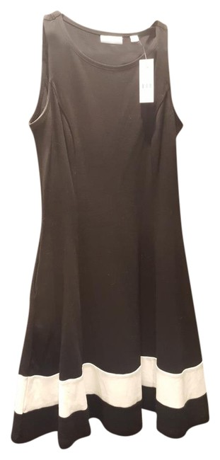 Preload https://img-static.tradesy.com/item/21953794/new-york-and-company-black-and-white-skater-with-band-short-casual-dress-size-2-xs-0-1-650-650.jpg