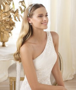 Pronovias Lacan Wedding Dress