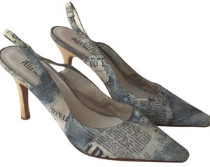 Pelle Moda Blue and tan newspaper print Pumps