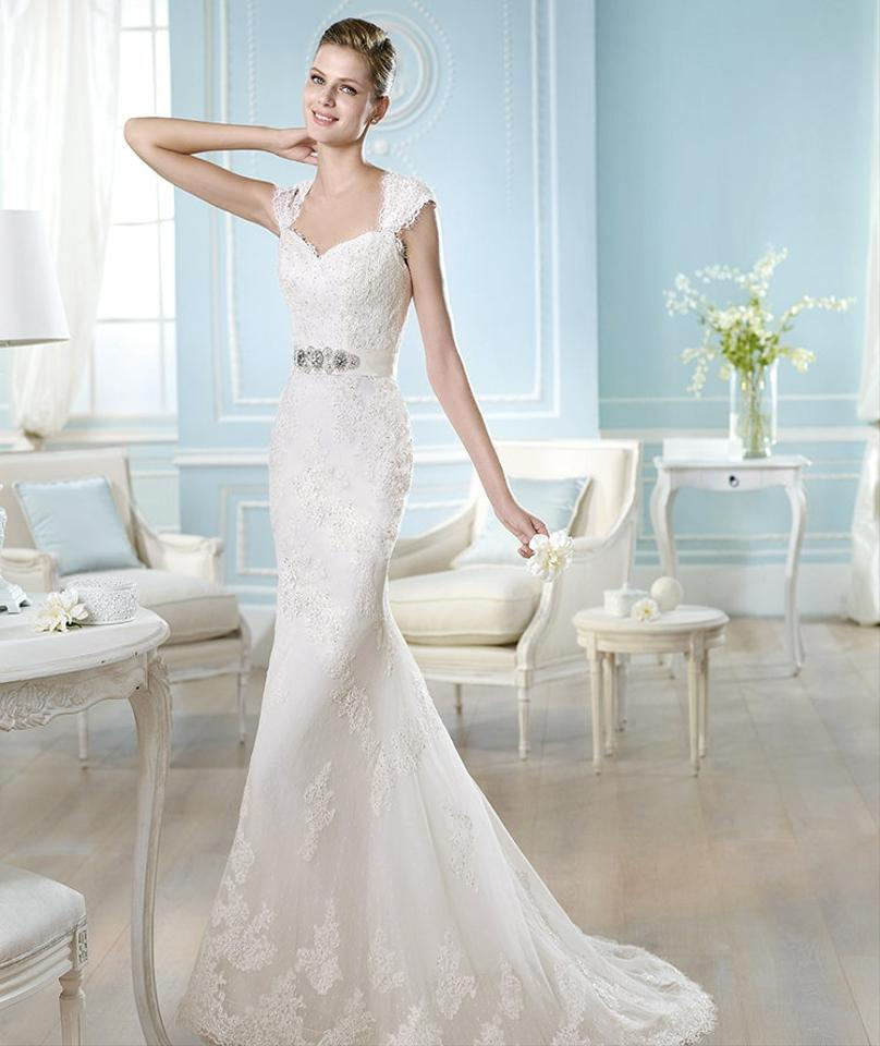 Spanish Lace Wedding Gown: St. Patrick Off White Tulle With Spanish Lace Harleen