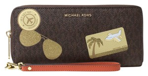 Michael Kors Michael Kors Illustrated MK Logo Fly Away Travel Continental Wallet