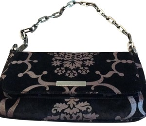 silk velvet Hannah by Gucci guaranteed authentic. dark silver chain handle. measures 10