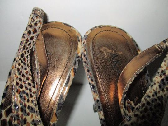 Anne Klein Lizard Skin Patent Slingback Strap Closure Stacked Heels Taupe Pumps Image 1