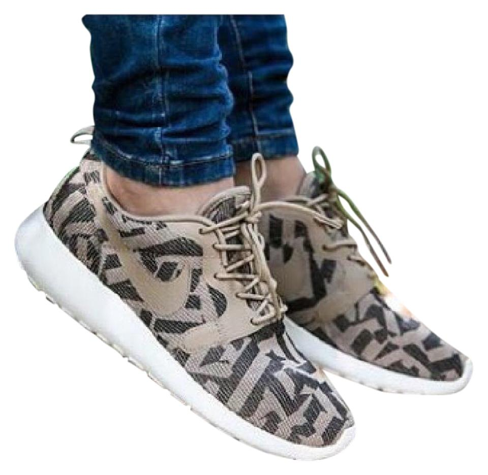 5f37d4cd873b Nike Camo Women s Roshe One Sneakers Size US 8.5 Narrow (Aa