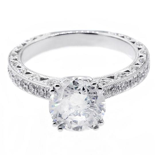 White 2.51 Cts Round Cut Set In 18k Gold Engagement Ring Image 1