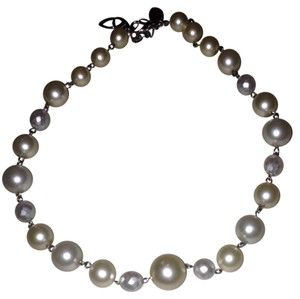White House | Black Market Large pearl Necklace