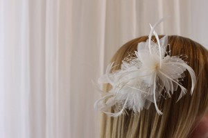 St. Patrick Feather Organza And Netting Flower Hair Comb From San Patrick By Pronovias