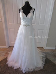Allure Bridals Ivory/Silver Lace & Tulle 9205 Feminine Wedding Dress Size 4 (S)