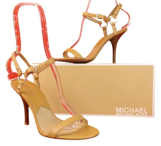 Preload https://item2.tradesy.com/images/michael-kors-beige-out-downtown-quarter-strappy-sandals-size-us-85-regular-m-b-2195801-0-0.jpg?width=440&height=440