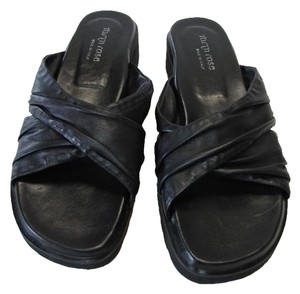 Taryn Rose New BLACK Sandals