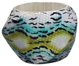 FASHIONISTA Multicolor Green Snakeskin Pattern Wood Bracelet Bangle