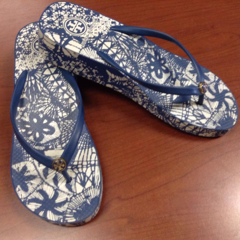 49153c0f92be2 Tory Burch Blue White Logo Wedge Flip Flop Beach Print Sandals Size ...