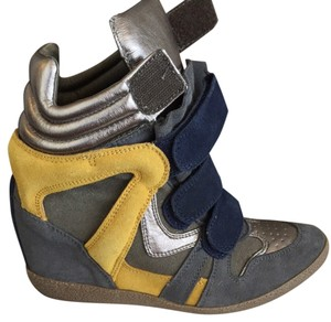 Steve Madden Blue/Yellow/Gunmetal Athletic