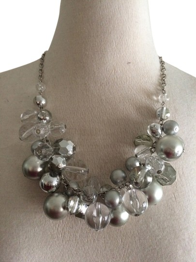 Preload https://item1.tradesy.com/images/silver-and-lucite-necklace-2196695-0-0.jpg?width=440&height=440