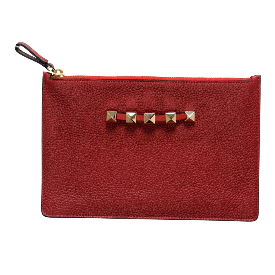 d6daf3049 Valentino Garavani Women's Rockstud Small Red Leather Clutch - Tradesy