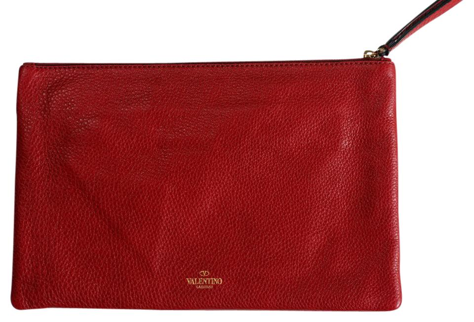 1fce984c1 Valentino Garavani Women's Rockstud Wristlet B Red Leather Clutch ...