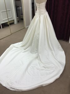 Pronovias Ivory Satin Uley Formal Wedding Dress Size 6 (S)