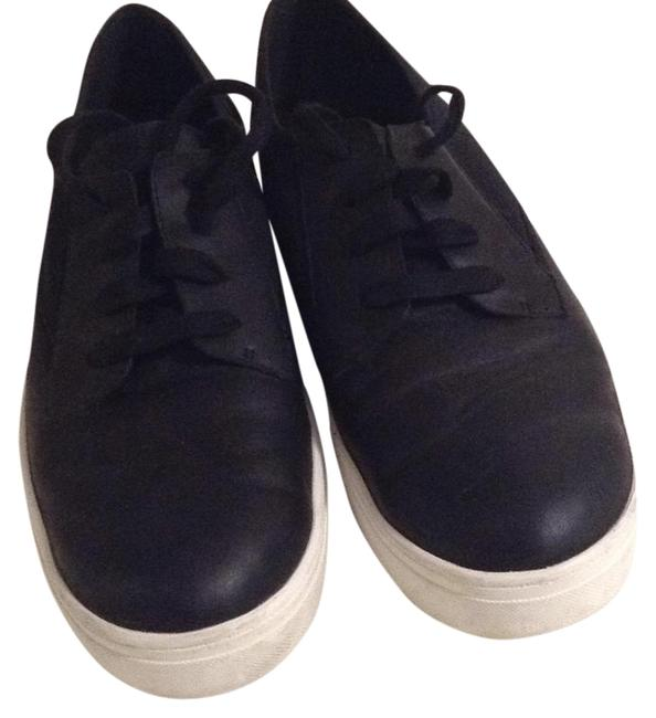 Item - Black Sneakers Size US 9 Regular (M, B)