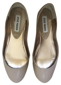 Steve Madden Taupe Flats