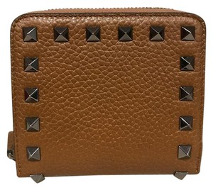 Valentino Valentino Rockstud Brown Leather Small Zip Around French Wallet Clutch