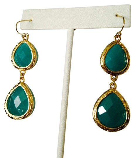 Preload https://img-static.tradesy.com/item/2197717/neiman-marcus-turquoisegold-nwot-faceted-agate-in-14kt-gold-plate-dangle-earrings-0-0-540-540.jpg
