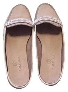 Cole Haan creme & white Flats