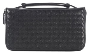 Bottega Veneta BOTTEGA VENETA BLACK HANDLE CLUTCH WALLET