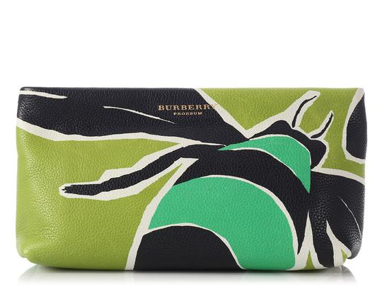 Preload https://img-static.tradesy.com/item/21978244/burberry-bee-prorsum-green-leather-clutch-0-0-540-540.jpg