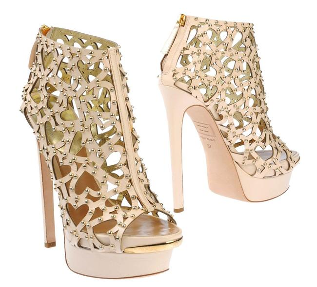 Item - Beige Runway Heart Cut Out Ankle Boots/Booties Size US 9 Regular (M, B)