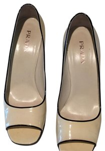 Prada cream with black trim Pumps