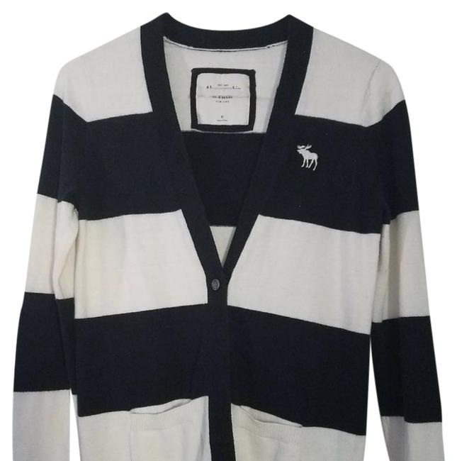 Preload https://img-static.tradesy.com/item/21984569/abercrombie-and-fitch-cardigan-21984569-0-1-650-650.jpg