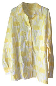 Foxcroft New With Tags Vented Extra Button Abstract Flower Open V-neck Top White and Yellow