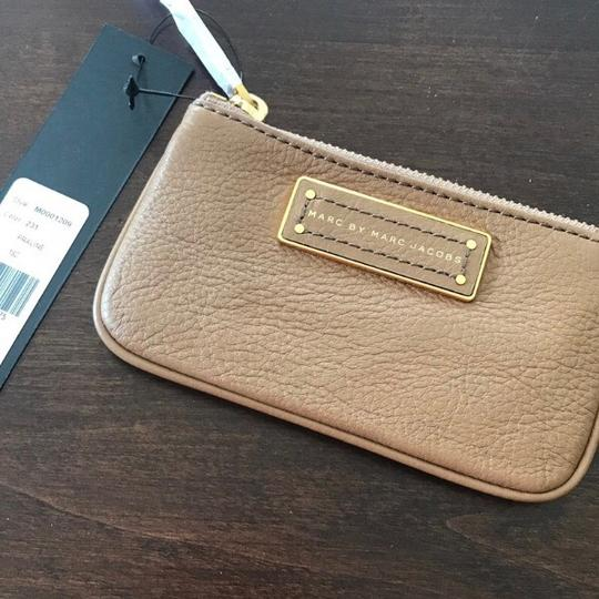 Marc by Marc Jacobs NWT Too Hot To Handle Praline Tan Leather Key Pouch Wallet Image 3