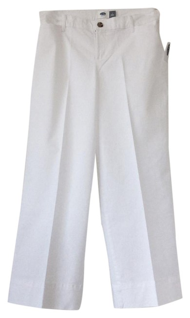 Preload https://img-static.tradesy.com/item/21985573/old-navy-white-capris-size-2-xs-26-0-1-650-650.jpg