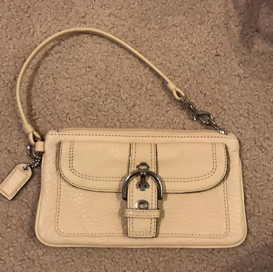 Coach Wristlet in cream